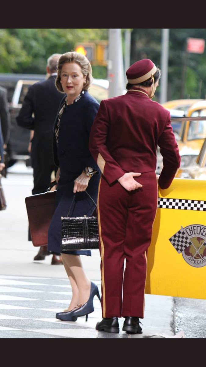 New Pics| Meryl  at the set of #thepapers #merylstreep #tomhanks<br>http://pic.twitter.com/1XpWZB0Vnv