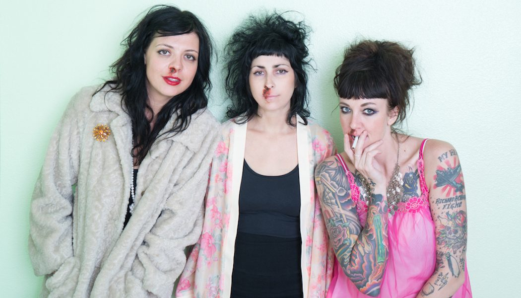 Http Thecoathangers Com Tour