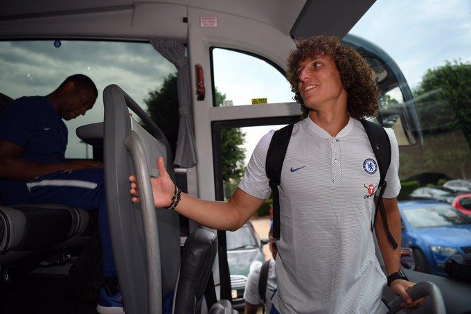 Chelsea FC Twitter & Photos on - 49.9KB