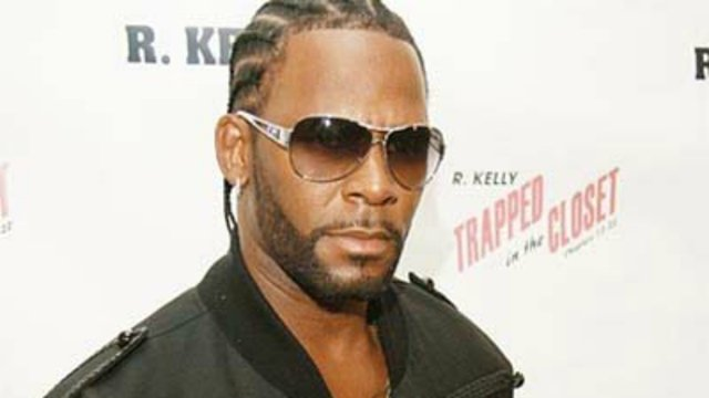 R. Kelly accused of housing a 'cult' of women in shocking report https://t.co/FSBHBVj81r