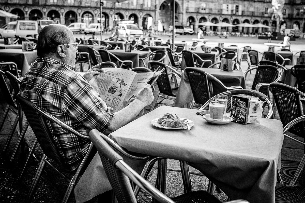 Breakfast time #Salamanca  @Ernest_Fdez_ @GeaJoseLuis @jose_cicuta @stsplus @StreetPhotosBW @streetphoto_es @Street_Spot @QuitarFotos<br>http://pic.twitter.com/3hzoL4tu6o