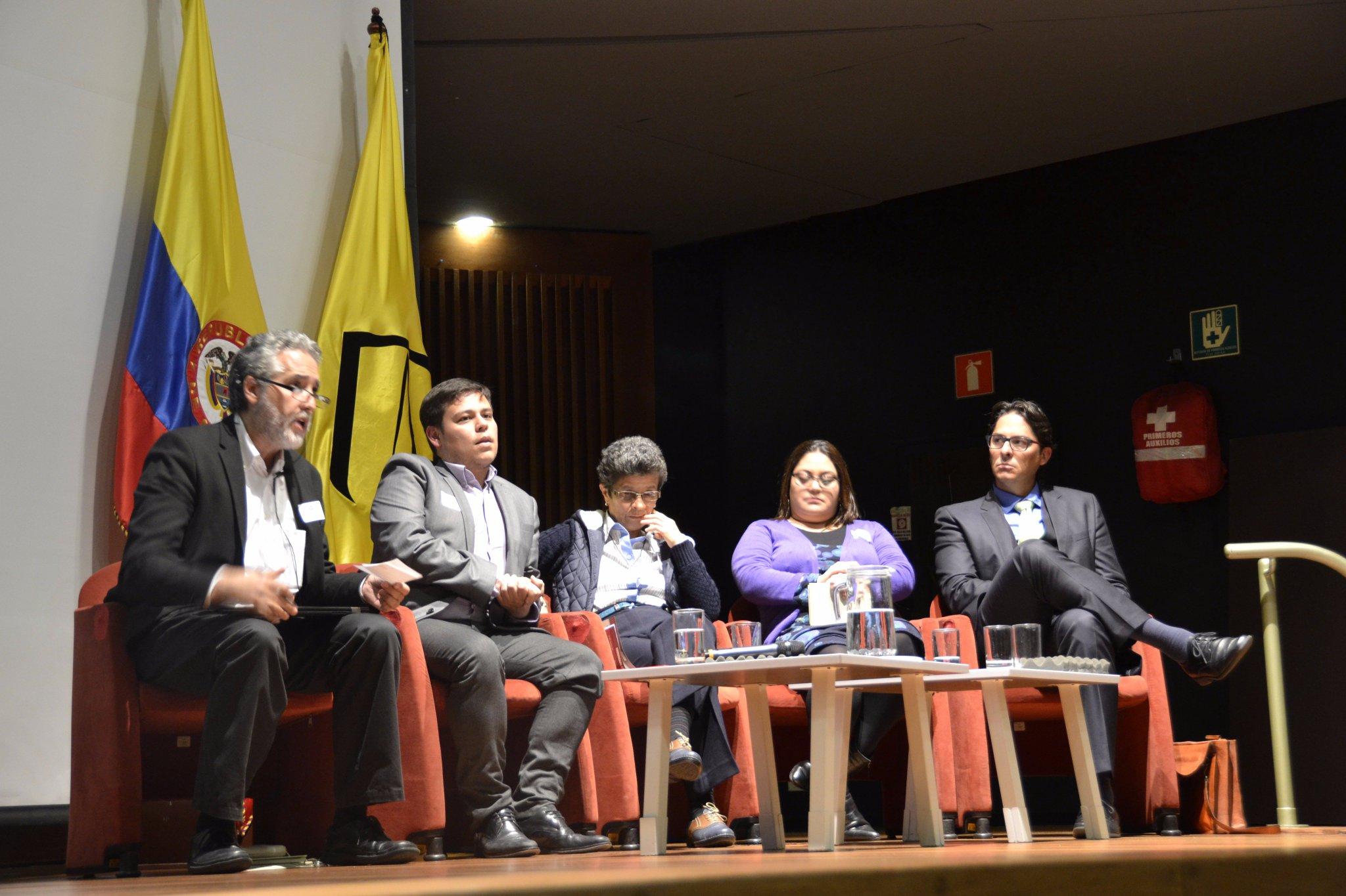 Inicia sesión de preguntas Panel Economía conductual orientada al #CrecimientoVerde #EnVivo: https://t.co/kMvlsVZiTq https://t.co/7m9fCO0bHp