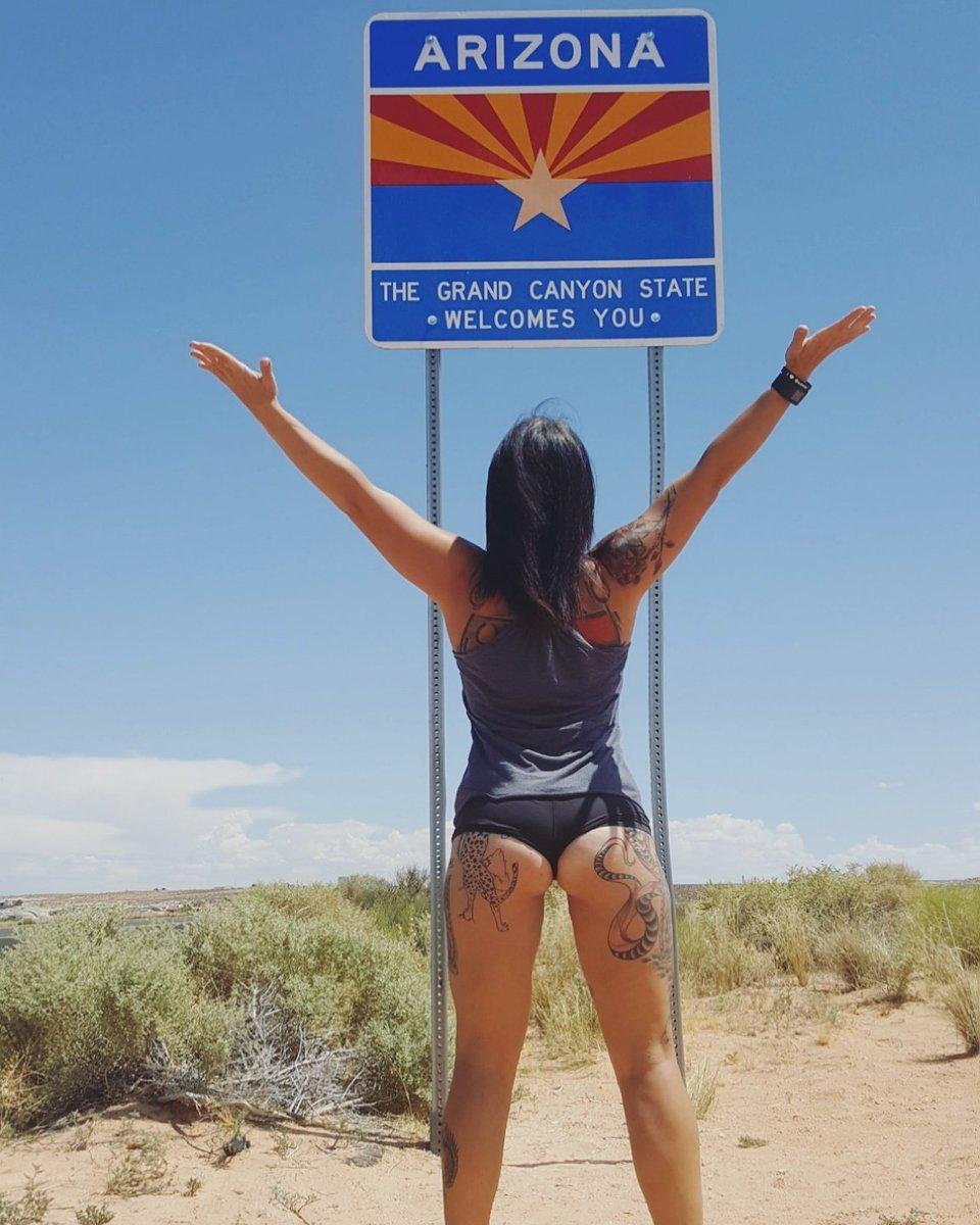 Arizona i am home!  #arizona #ass #az #hump #everydayisbootyday #travels #inkedchicks #inkedroseaz #inked #sg #fitness #booty #tattooed