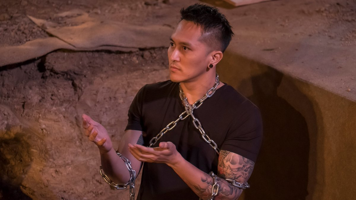 THE NEW HARRY HOUDINI!  You won't believe what happens to @_DemianAditya_  #JudgeCuts https://t.co/WxxHB8PTVy @howiemandel @tyrabanks #AGT