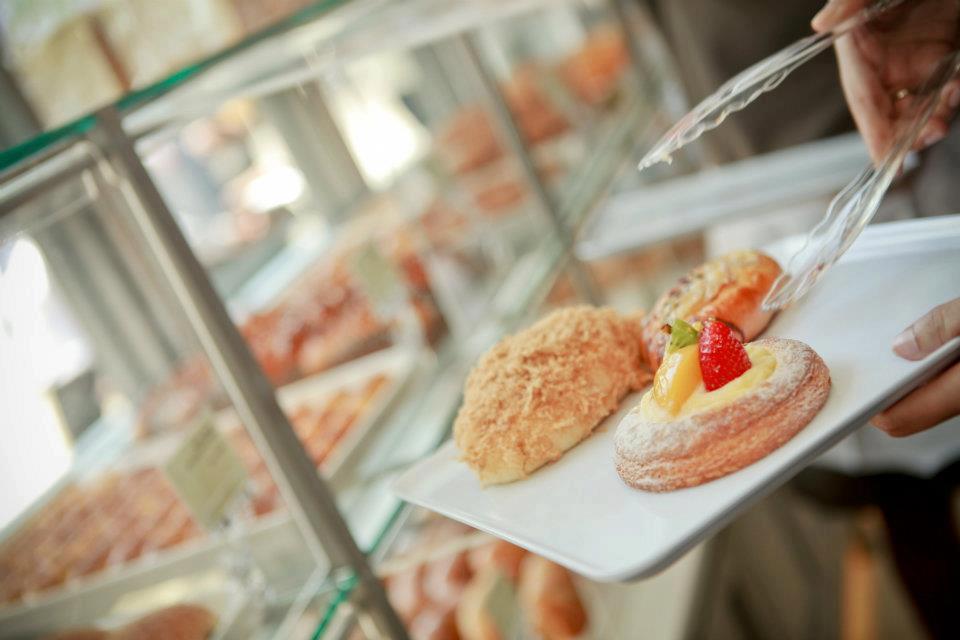 Midweek Snack Time :-)  #Bakery #BreadTalkSL #Colombo #SriLanka #Lka https://t.co/DRXgcNBkSw