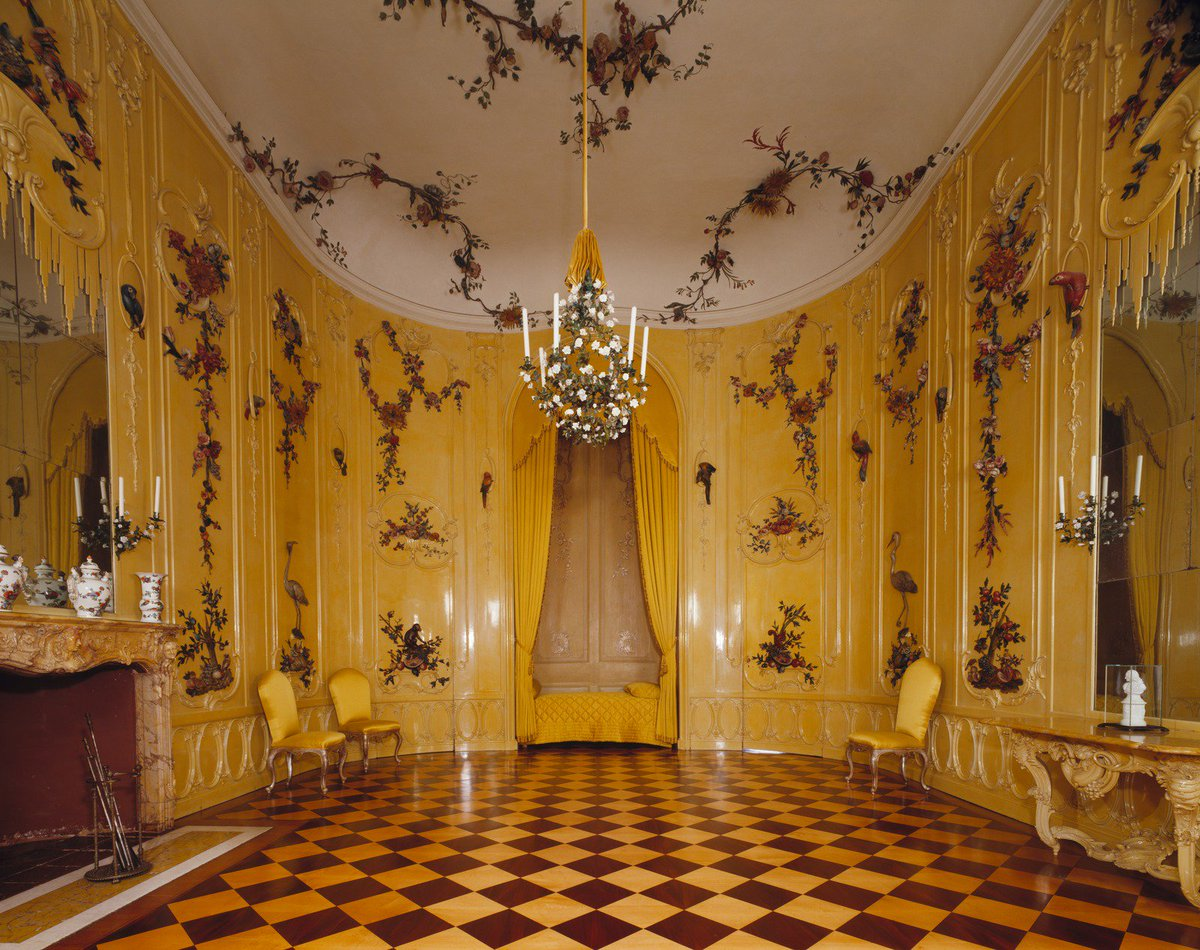 The &quot;Flower Chamber&quot; in #Sanssouci Palace for #Voltaire, Frederick the Great&#39; s most celebrated house guest! @CVersailles  #PalaceDay<br>http://pic.twitter.com/nWmViKwtSE