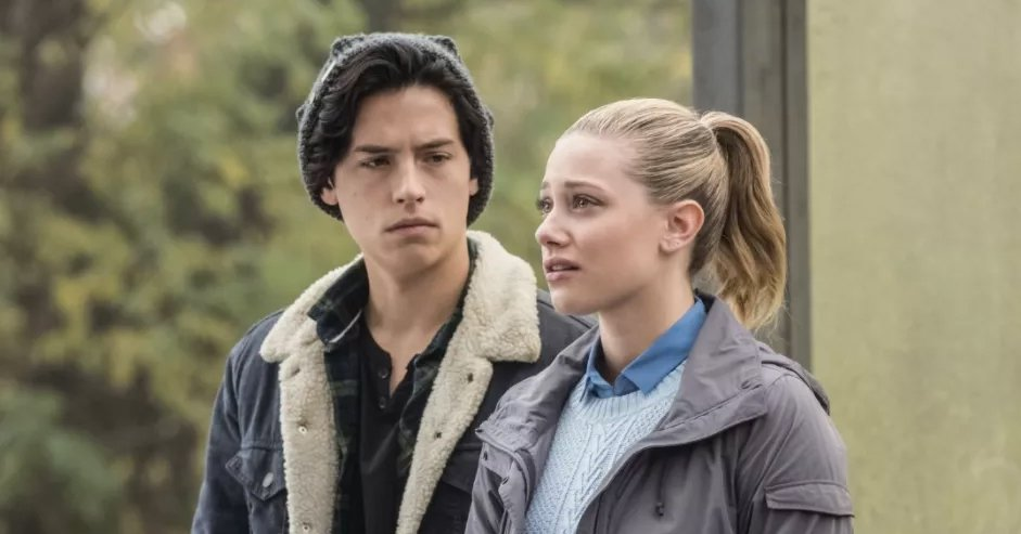 Nooo! Lili Reinhart may have shared a sinister hint about Jughead for season two of 'Riverdale': https://t.co/3wTL8cSkLv #riverdale