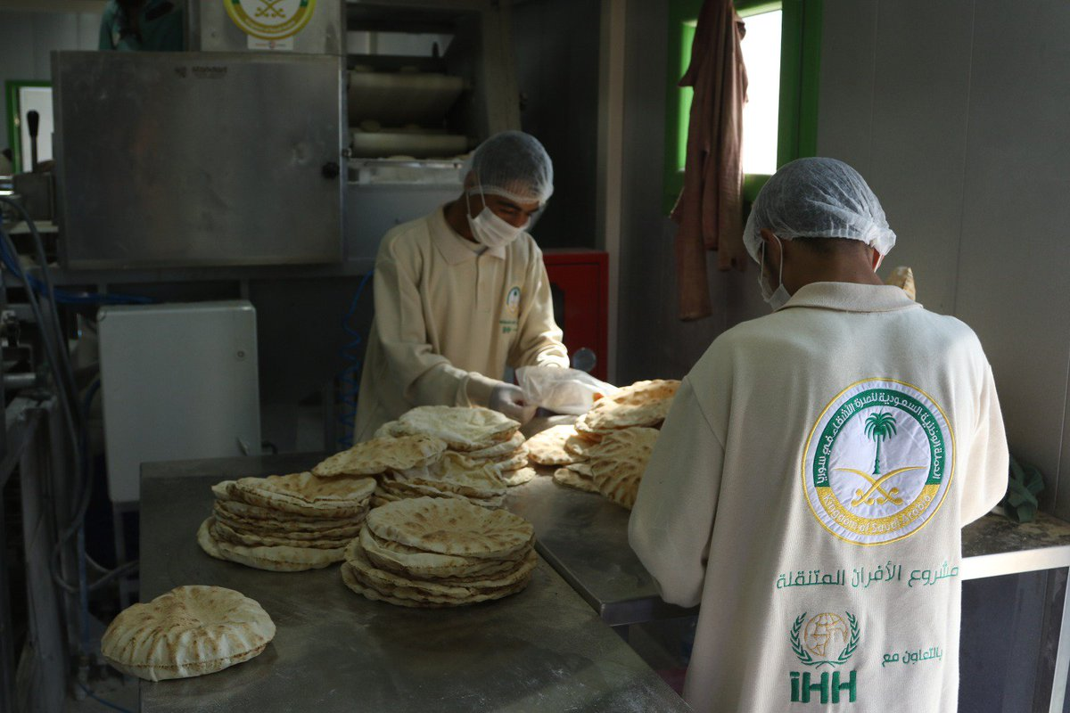 IHH In Collaboration With Srec Sy Organization Put A New Mobile Bakery Into Service Bab Al Hawa For Syrians IDP Campspictwitter 14qo0Rxtd0