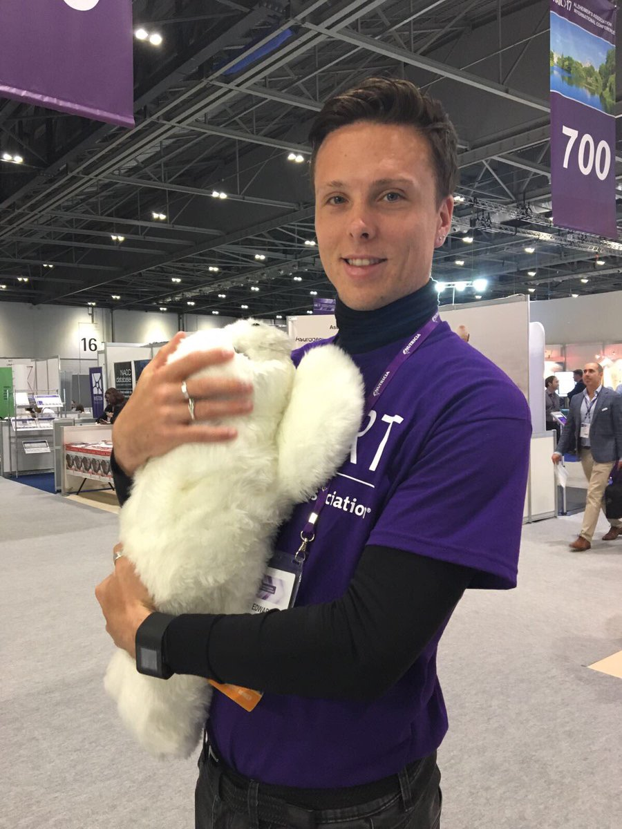 Getting to know Paro, a baby harp seal designed to provide dementia patients with therapeutic cuddles #AAIC2017 <br>http://pic.twitter.com/lPZXbJJAR0