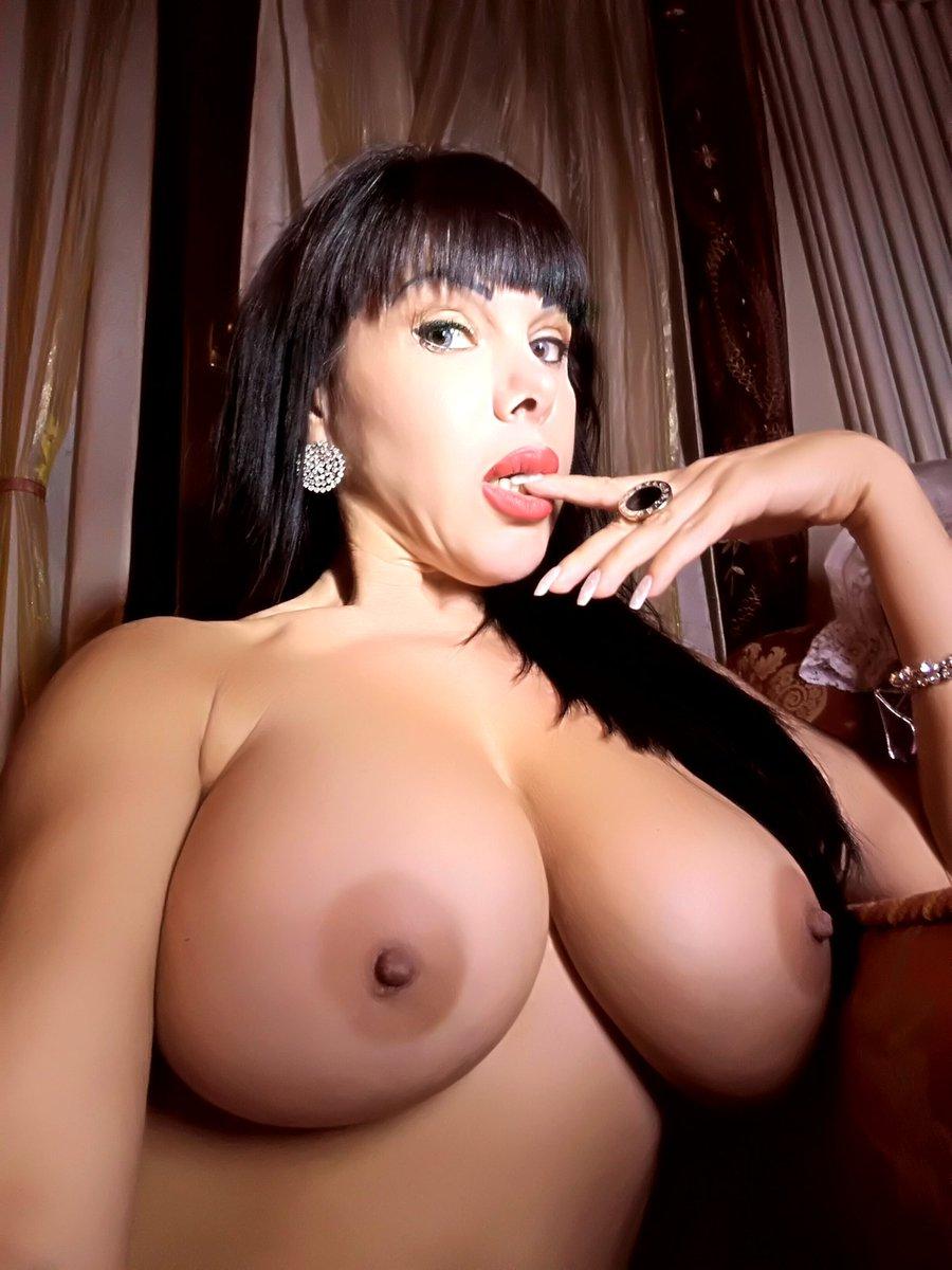 Sonia eyes nuda pics