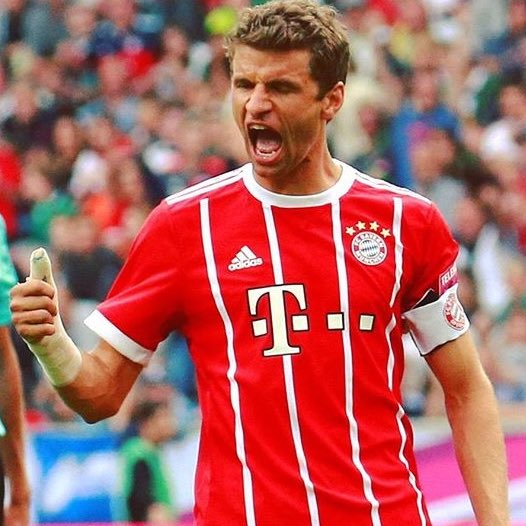 Who would you rather have at centre forward? RT for Müller???????? LIKE for Firmino????????