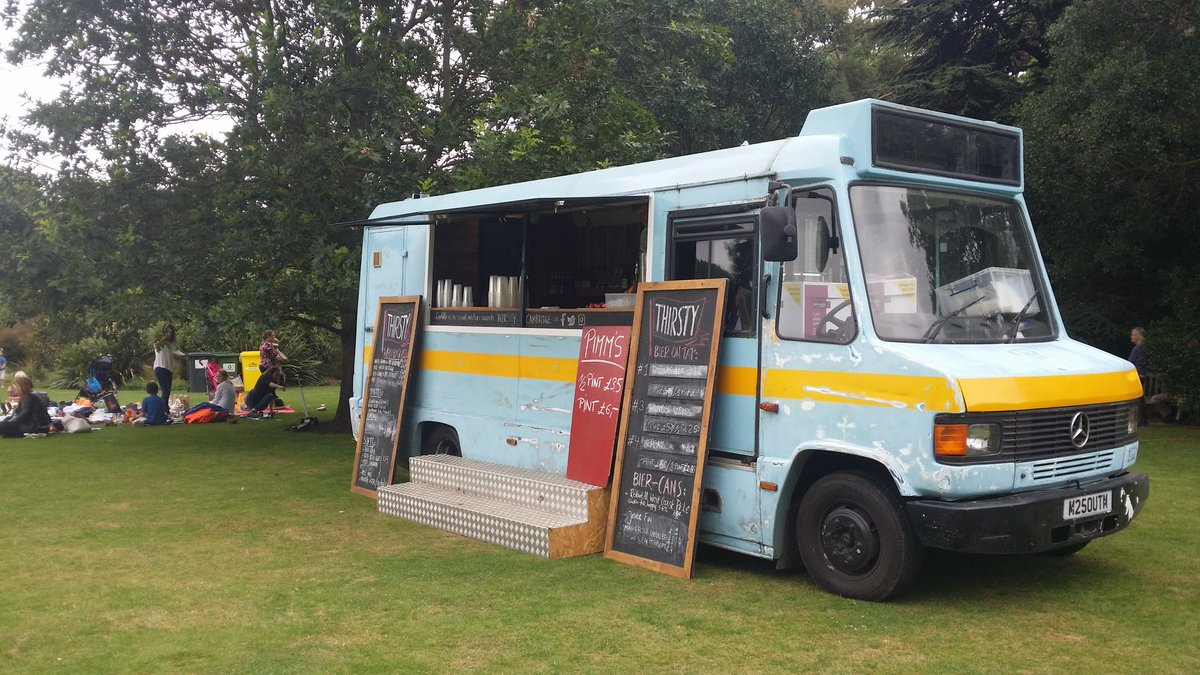 Thirsty Bus ready with delicious @HowlingHops, @vonFreude and @GipsyHillBrew beers at #soundsgreen17 at @CUBotanicGarden https://t.co/qbduN43hq1