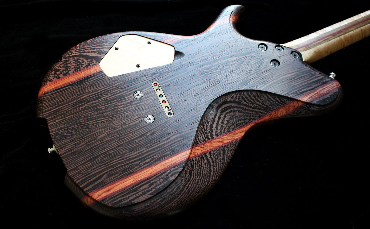 Another look at the newest Nova build  http:// ow.ly/4gWn30dIxhF  &nbsp;   #handmadeguitar #luthiers <br>http://pic.twitter.com/Uy95AVUHGU