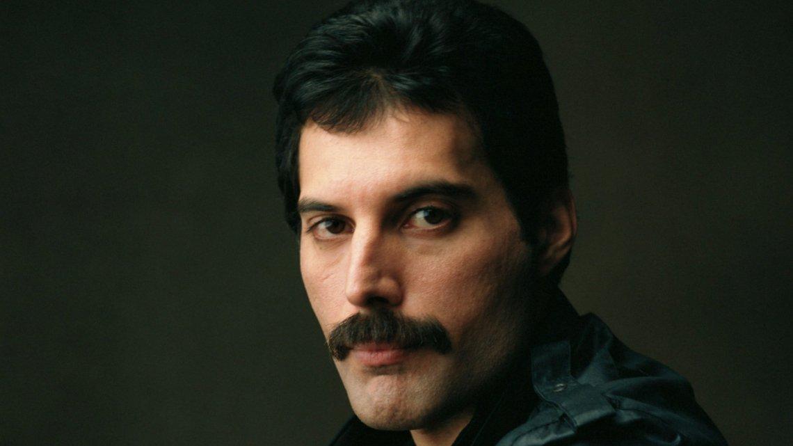 Freddie Mercury biopic to omit AIDS crisis https://t.co/jc9H7Uz15Q https://t.co/2hqFy9iGvu