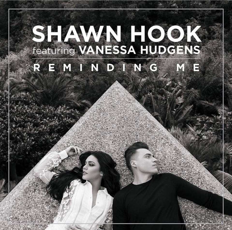 Congrats to @ShawnHook and his entire team! #RemindingMe is officially GOLD in Canada!  http:// yaletownfm.com/reminding-me-i s-now-gold-in-canada/   … pic.twitter.com/zURA8BEKzG