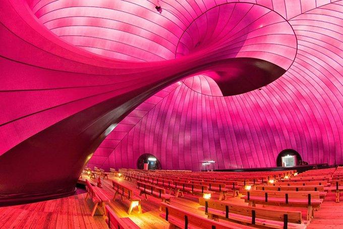 巨大な移動式コンサートホール「アーク・ノヴァ」が東京ミッドタウンに上陸 - 映画上映やコンサートも -