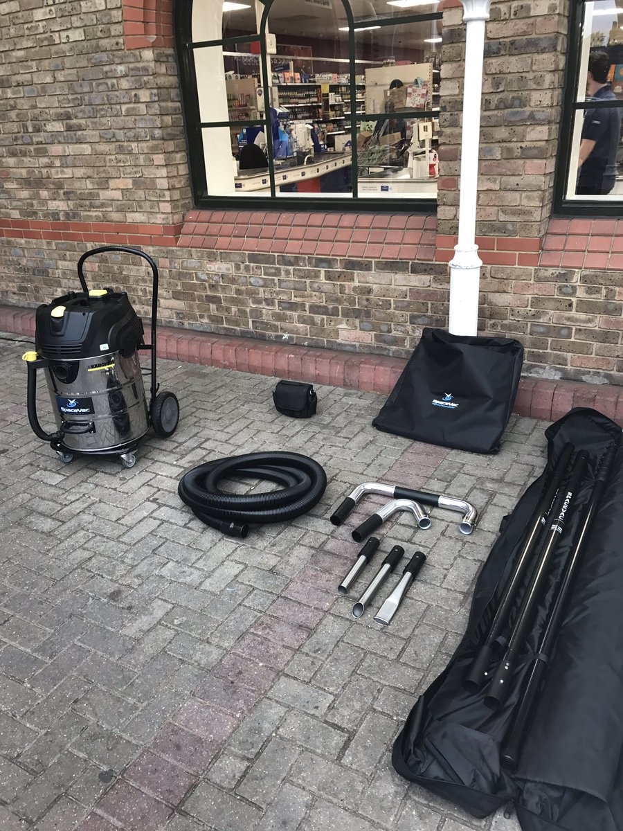 As requested by a few people on message this is our 16m (50mm Full External Kit) #GutterCleaning #External #FM #Safety #SpaceVac<br>http://pic.twitter.com/VNvNckappd