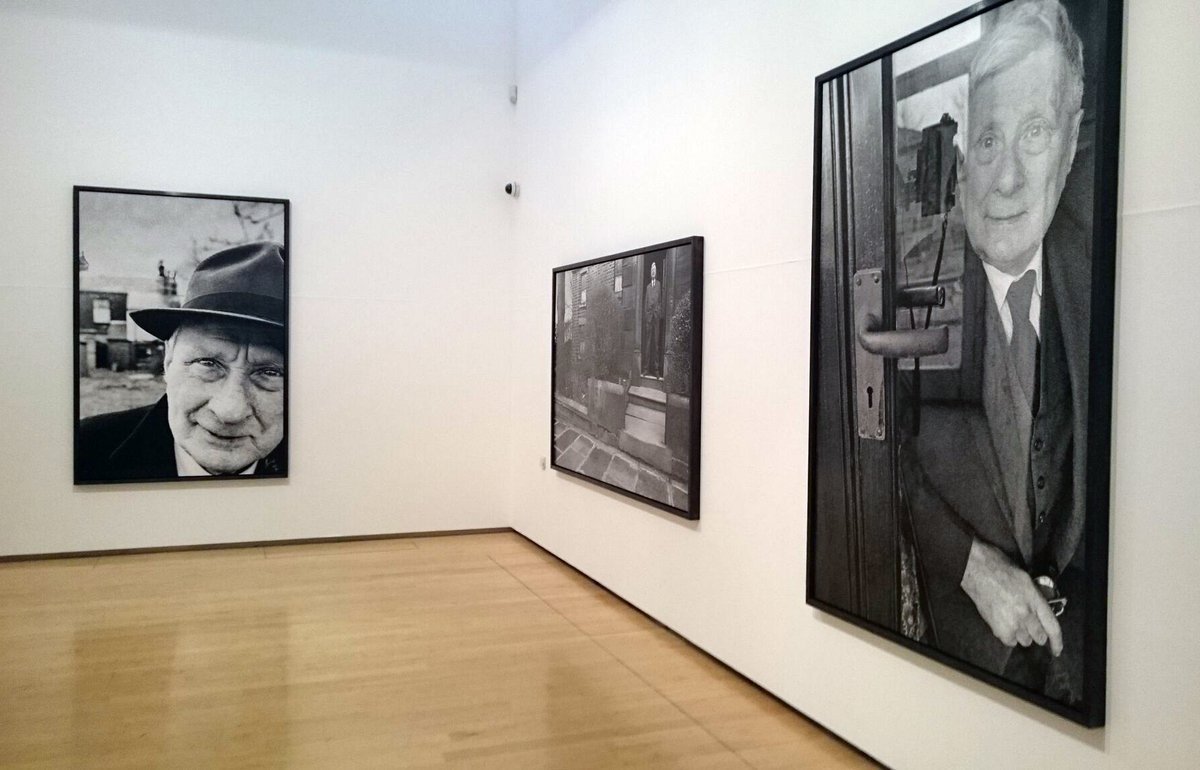 Lowry at Home: Salford 1966 is open every day until Sun 24 Sept. An exhibition with photos by @clivearrowsmith:  https://t.co/lyb26gXzoo https://t.co/Bht1nd9BVH