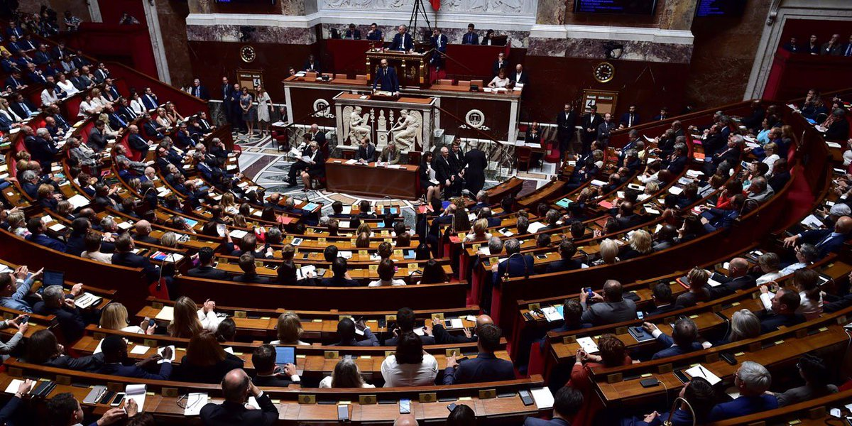 France 3 arrête la diffusion des questions au gouvernement (lancée en 1983). Mais @LCP reprend le flambeau. https://t.co/4XZ2qNiCwA