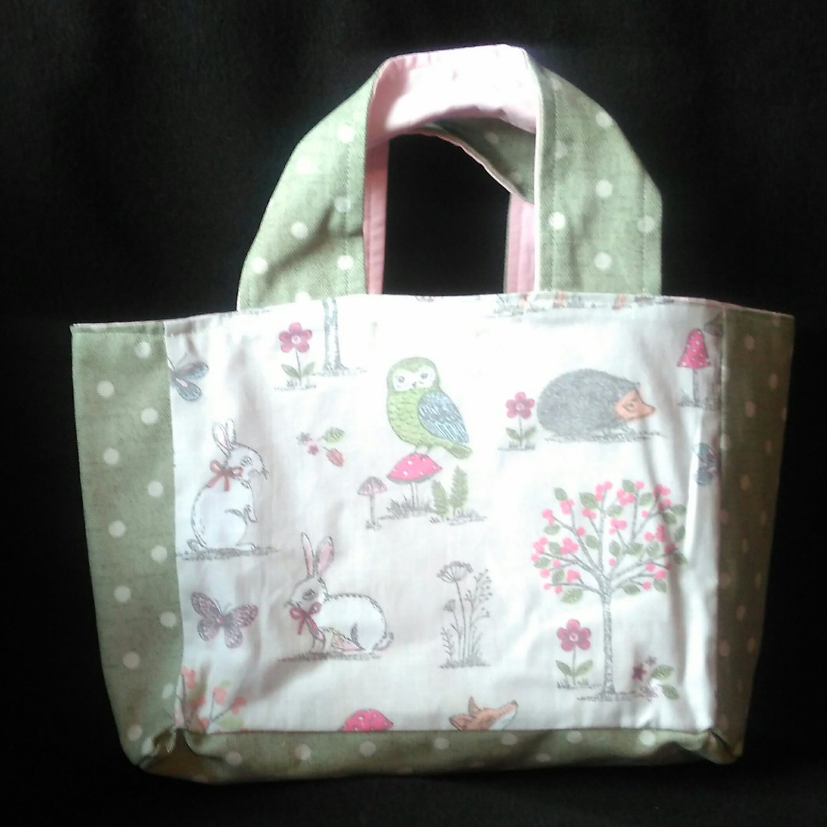Cute little bag.Handmade by us here at Amelia&#39;s Grotto #cute #bag #woodland #animals #green #spots #handmade #forsale #ameliasgrotto<br>http://pic.twitter.com/GLgbNAFDL2