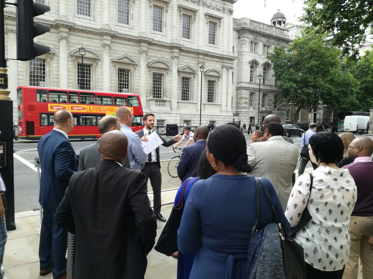 Our #ParliamentaryCommittees delegates enjoying some UK history on a walking tour of London en route to #UKParliament <br>http://pic.twitter.com/osu24s56r1
