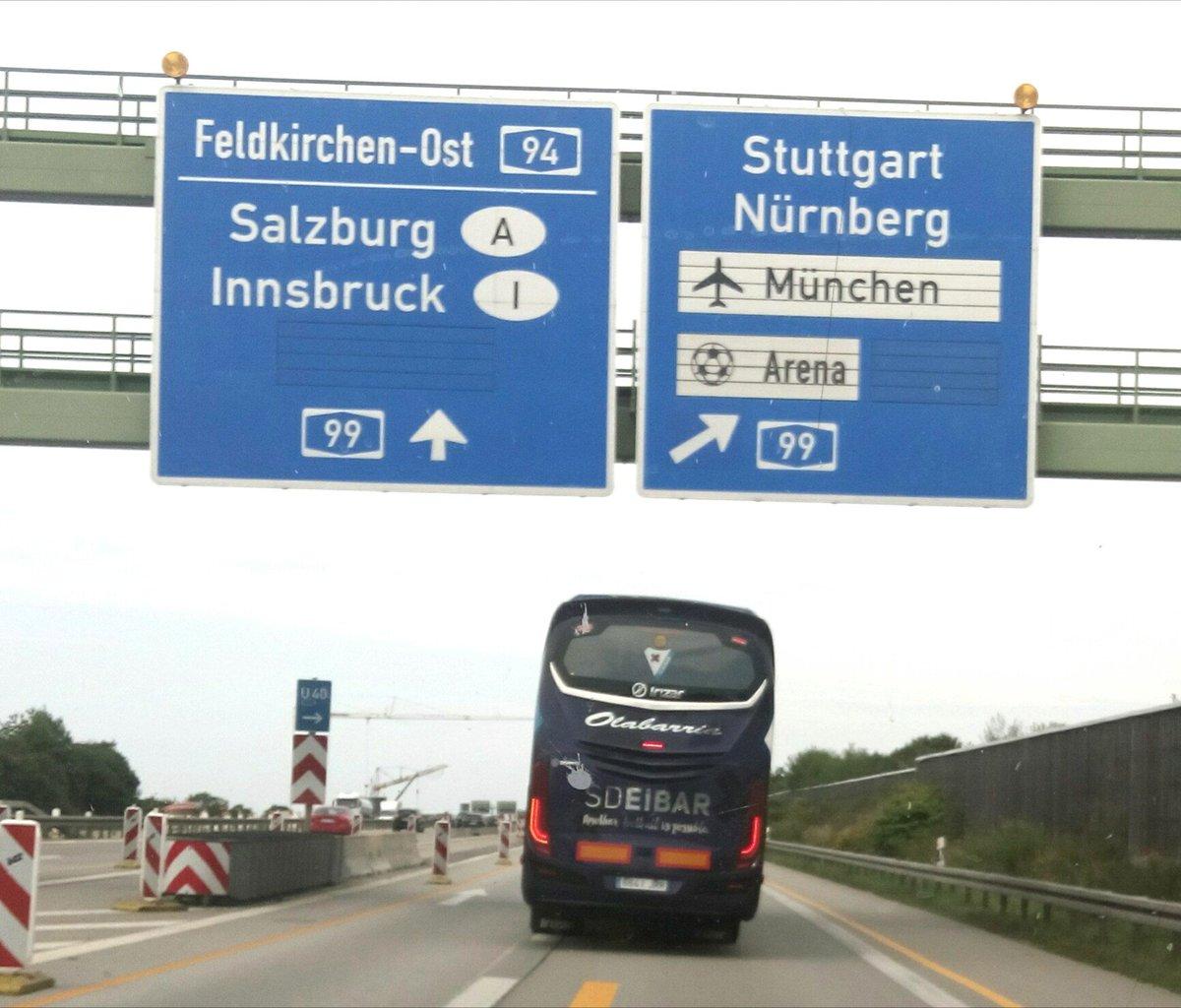 El autobús del equipo, ya en carreteras alemanas rumbo a tierras austriacas #EibarPRE1718
