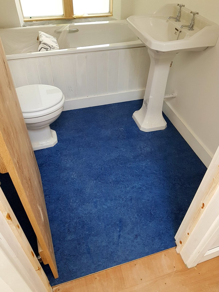 Alchemy Flooring On Twitter Marmoleum In Ensuite Bathroom