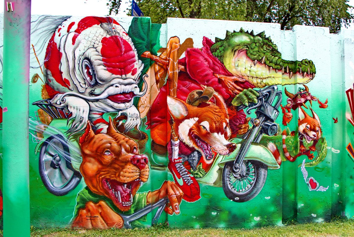 #streetart #graffiti #mural Nilco White, Animals on a motorcycle in #Eindhoven Step in the Arena 2017, 3 pics at  http:// wallpaintss.blogspot.nl  &nbsp;  <br>http://pic.twitter.com/yeqY12fo8V