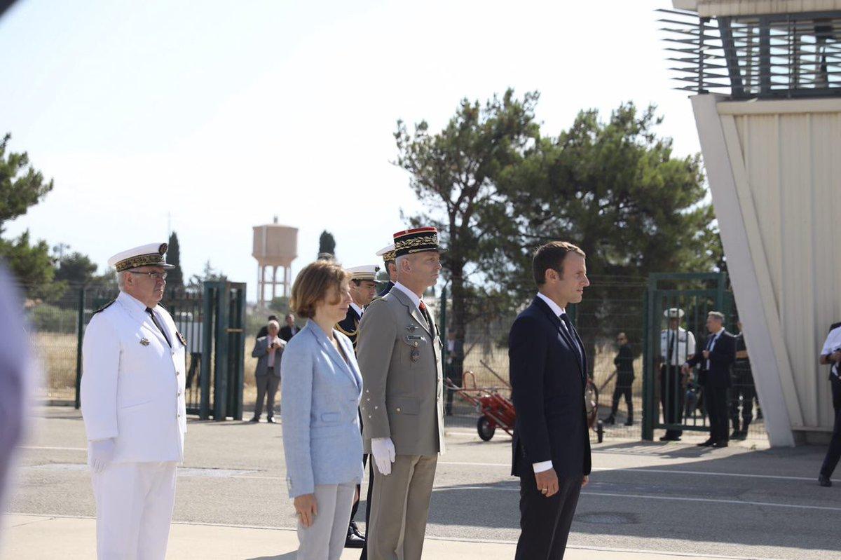 Le général Lecointre a toute ma confiance. Nous allons mener un projet ambitieux pour construire l'outil de défense dont la France a besoin.