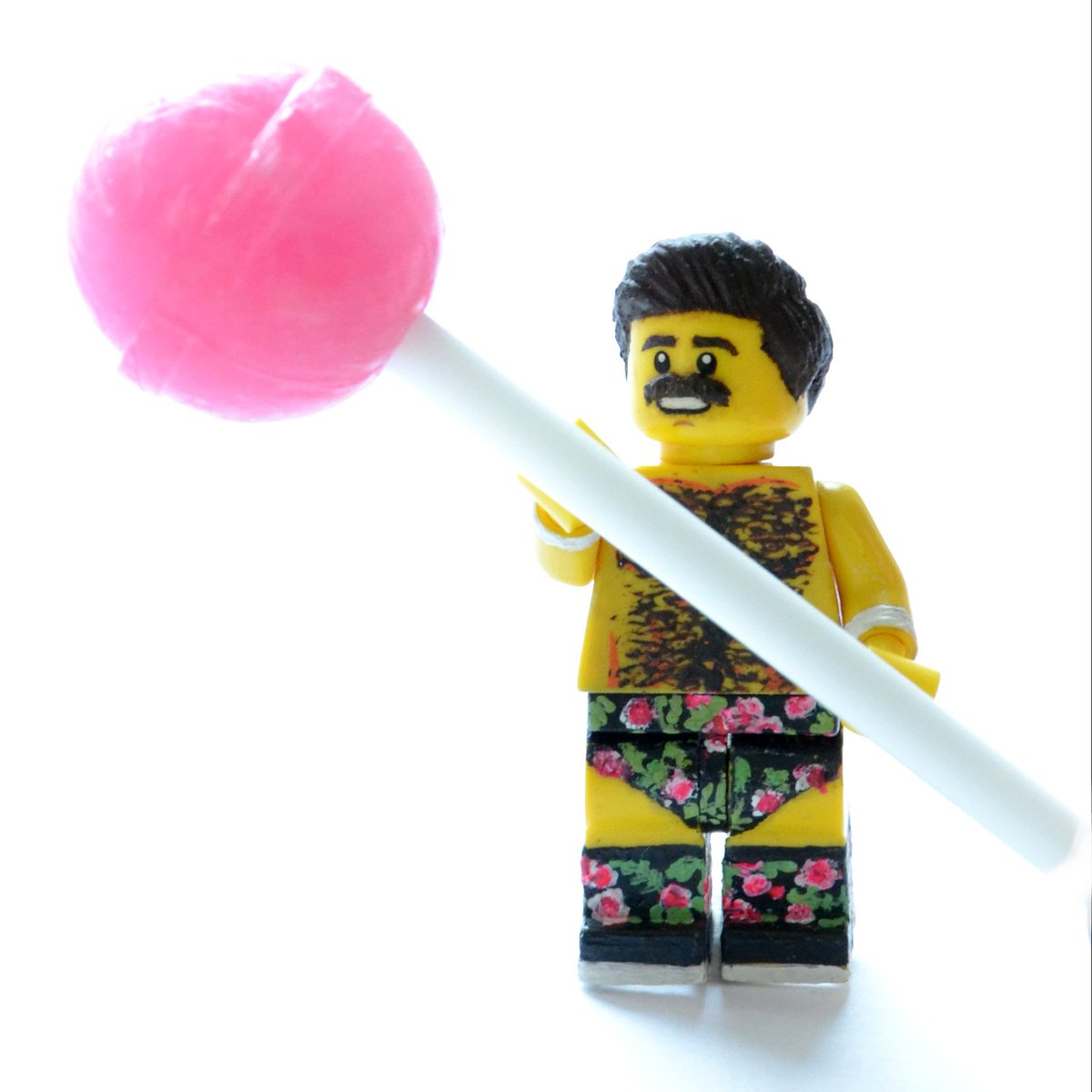 #Lego Joey Ryan celebrates #NationalLollipopDay  <br>http://pic.twitter.com/LrD8rEbN0X