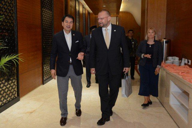 Parlemen Cheko Konsultasi Mekanisme Anggaran ke Banggar DPR https://t....