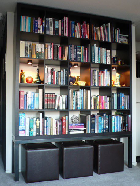 Book shelves now back in fashion - who knew they were ever out!! Tweet me yours - here's ours @SmoothRadio #shelfie https://t.co/b5rF2La0Ez