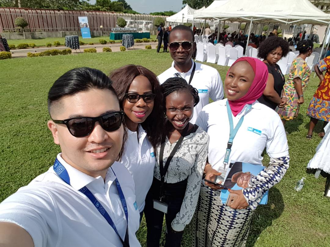 Our #UN #volunteers paying homage at the memorial of Dr. Babatune Osotimehin, an inspiration to us through his advocacy for #youthengagement <br>http://pic.twitter.com/6TffAQhHyh