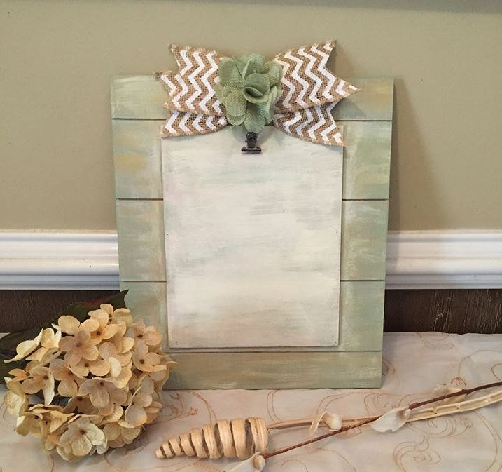 Cottage Chic Picture Frame - Farmhouse Distressed Frame - Rustic Frame - Slated Wood Frame  https://www. etsy.com/listing/253226 273/cottage-chic-picture-frame-farmhouse?utm_source=around.io&amp;utm_medium=twitter&amp;utm_campaign=around.io &nbsp; …  #shoppershour #etsyseller <br>http://pic.twitter.com/eFwhMY6GWZ
