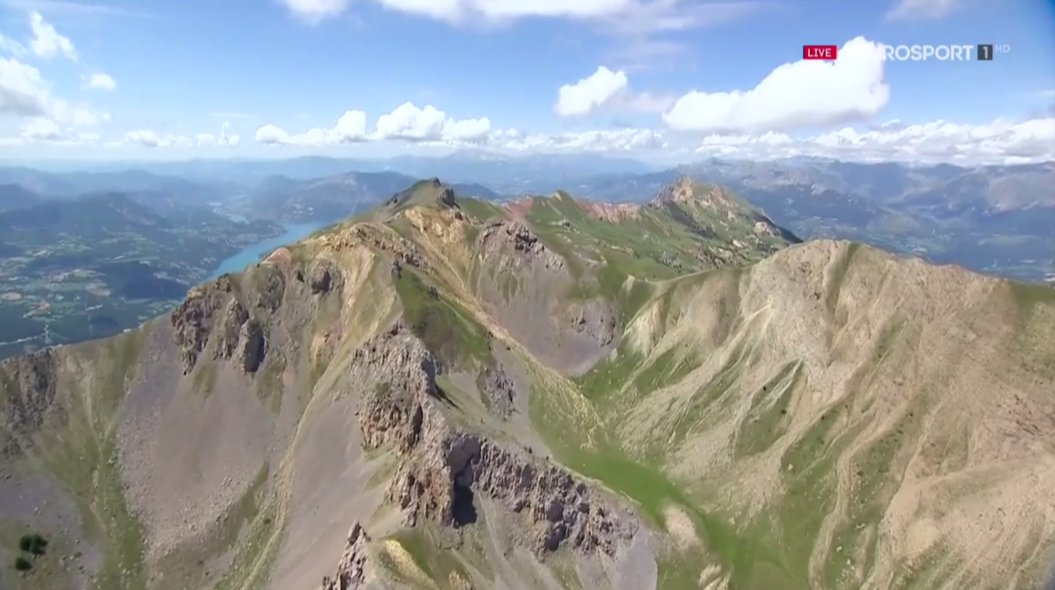 The majesty of the Alps, Part Deux (this can - and will - go on all day) #TDF2017 https://t.co/lV6cgKtUwT