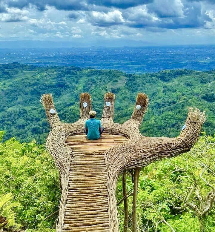 ❦The art of sitting in stillness can maximize the act of being busy.~AS #efficient #centered #peaceful #still #productivity #pic #Indonesia<br>http://pic.twitter.com/77J4c2B0d0