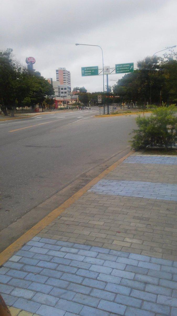8:27 am Reporte desde #Lara: Calles desoladas. Mensaje claro de nuestr...