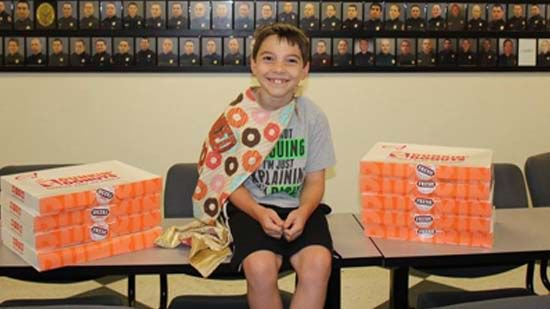 9-year-old Florida boy travels country thanking police with doughnuts >>https://t.co/keoaTN7afK #wmc5