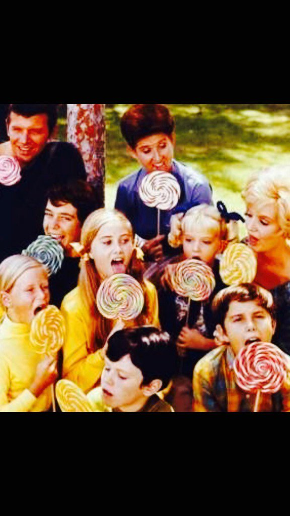 Happy #nationallollipopday  <br>http://pic.twitter.com/SQdUveRnK7