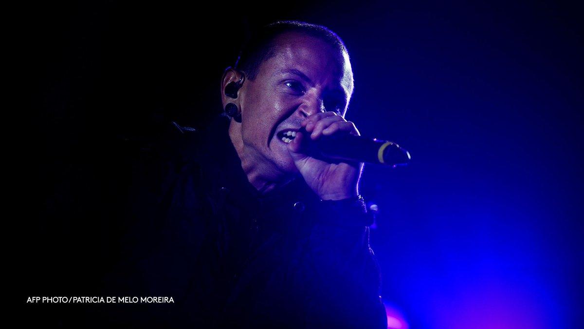 Chester Bennington, mort à Los Angeles dans ce qui semble être un suicide, était la voix de Linkin Park depuis 199https://t.co/LGNbHowI0i9
