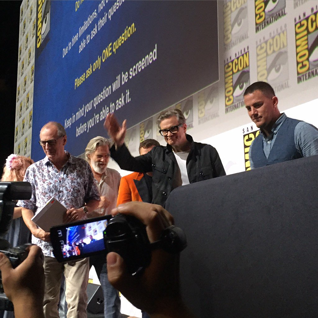 From the Fox panel. Channing Tatum, Jeff Bridges, Colin Firth, Dave Gibbons & Taron Egerton from the Kingsman #sdcc https://t.co/LQBYOsWx6z