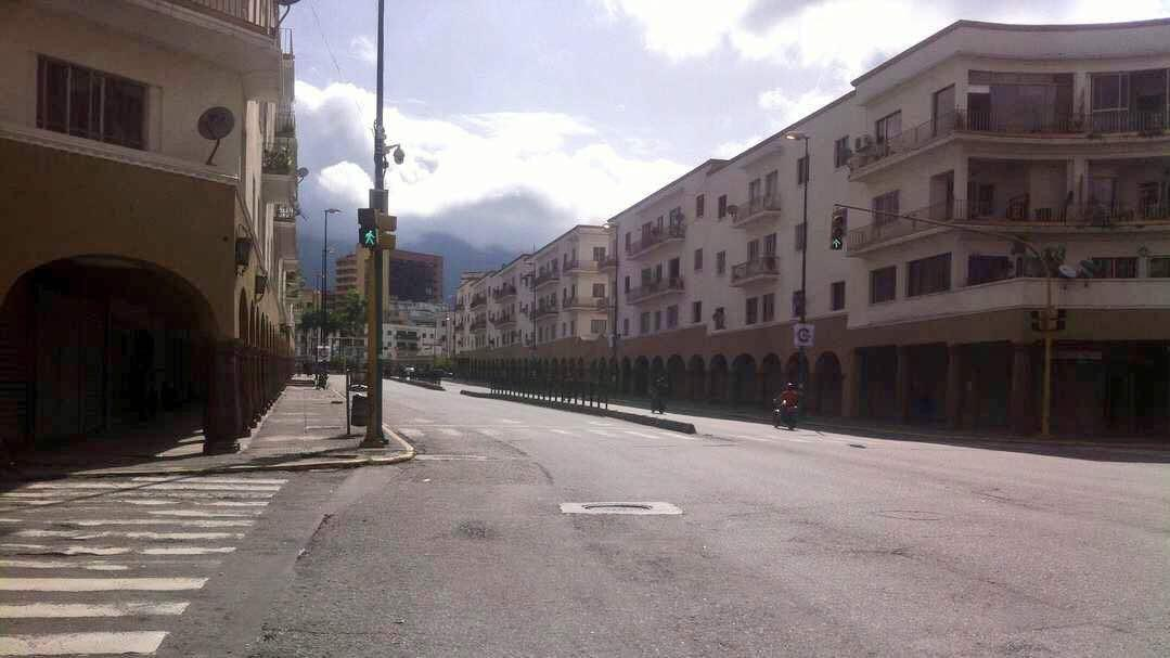 Maduro has no support and todays opposition strike proves it. Downtown #Caracas empty like the head of Maduro. #ParoCivicoNacional<br>http://pic.twitter.com/jPJBUv7S0e