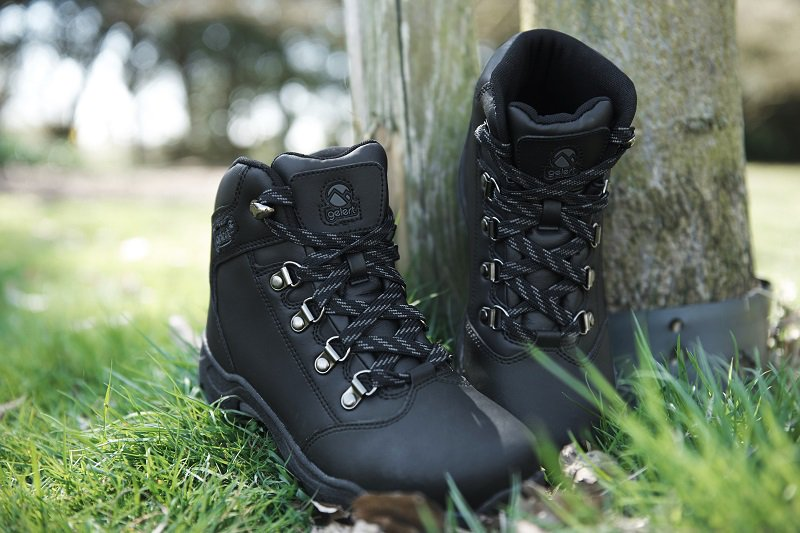 Outdoor footwear for all weather - shop the full range here > https://t.co/v3mhfQeW0E https://t.co/VHExNGXBkh
