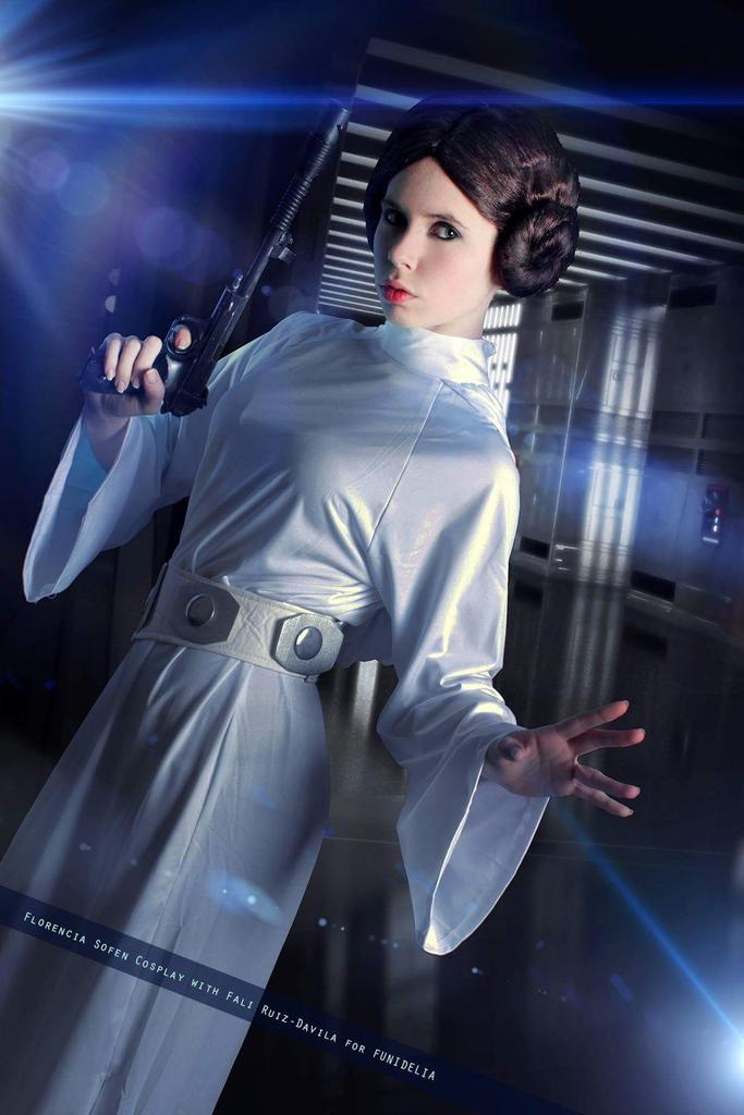 #TBT for our fav princess: #Leia    Have a great thursday   : @FALI_ruizdavila  Cos &amp; Wig: @funidelia<br>http://pic.twitter.com/Lry0ZwNwLE