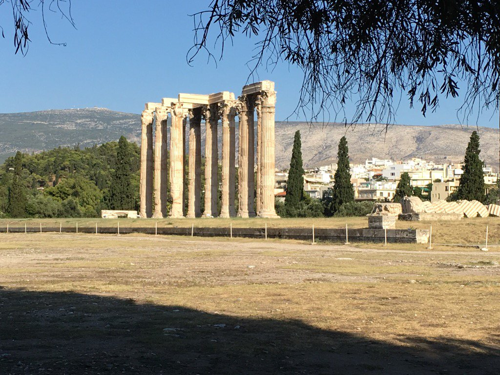 Yes, we've got #ruins. Temple of Olympian Zeus on 1st (tired) day in #Athens. Jet lag didn't prevent BIG impression! https://t.co/5OXqSWpYsZ