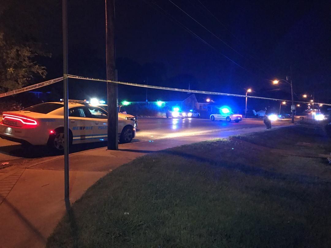 Officer uses Taser to end standoff peacefully #wmc5 >>https://t.co/FBGz8fwq6W