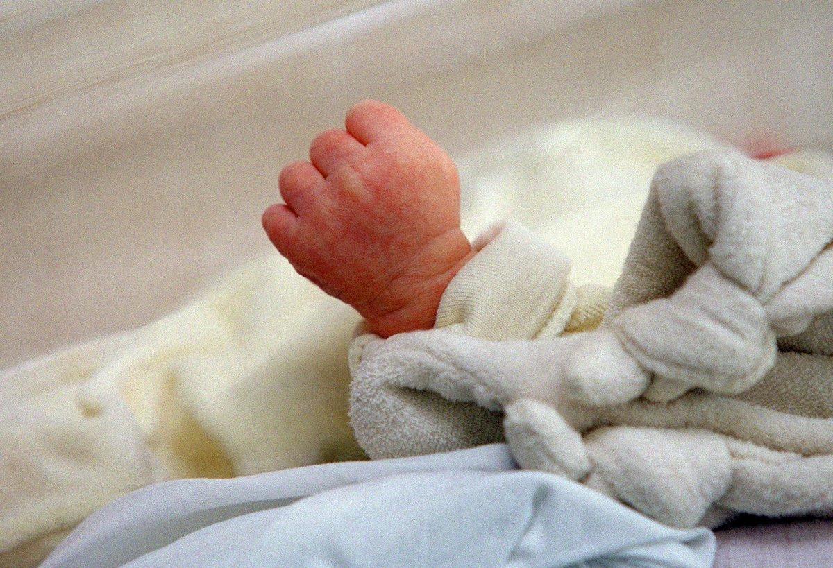 États-Unis: un bébé perd la vie après avoir été embrassé par une personne atteinte d'herpès https://t.co/LCg0OEwbb5