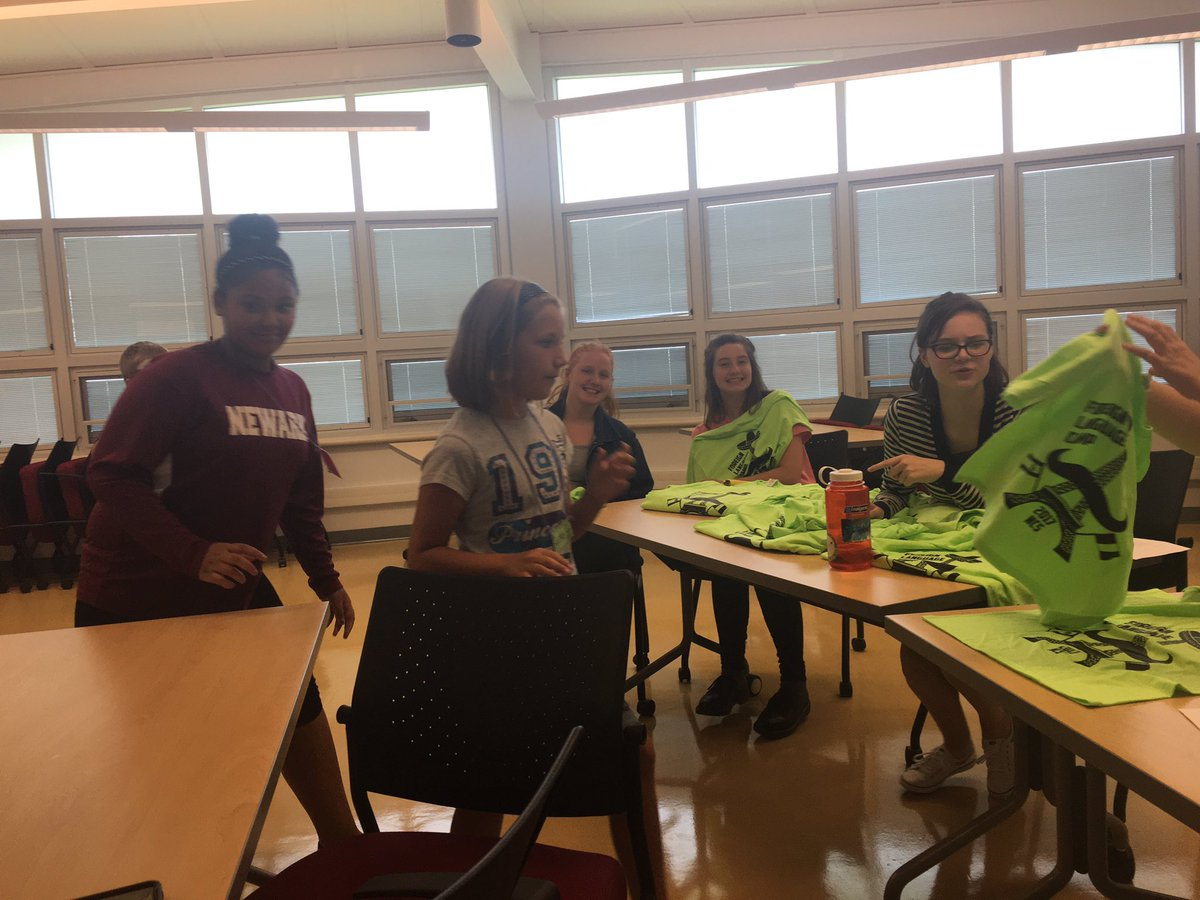 4th day of FLANG Camp. Monster drawings, chocolate fondue, and tshirts! #bonjour @Newark_Schools  @mmerauch<br>http://pic.twitter.com/noULvpFN4R