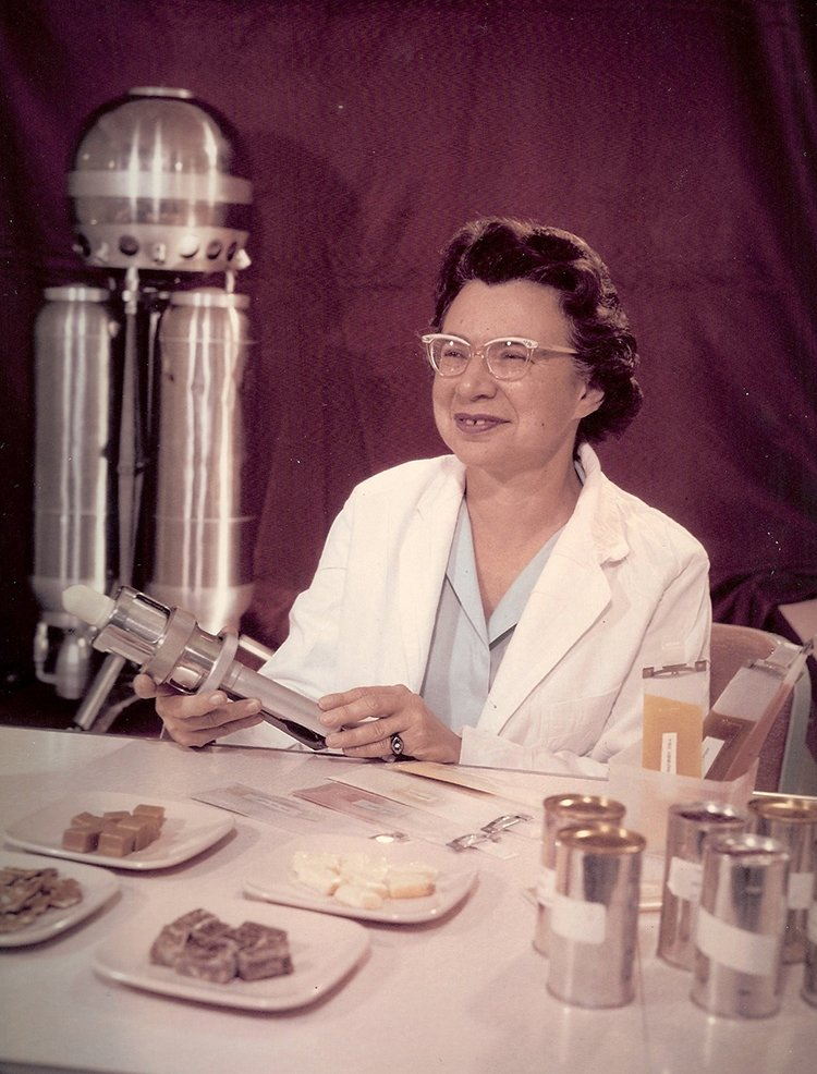 #TBT to the early 60s &amp; AF Dietitian Beatrice Finkelstein, a pioneer in space food development for @NASA&#39;s Mercury astronauts. #AFRL100Years <br>http://pic.twitter.com/K9QZ63Jrbv