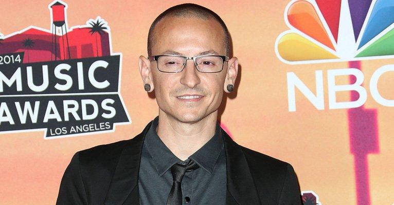 Chester Bennington, vocalista da banda Linkin Park, morre aos 41 anos-->https://t.co/jNcefBHpns